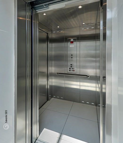 Savaria Stainless Steel Cab and Ceiling