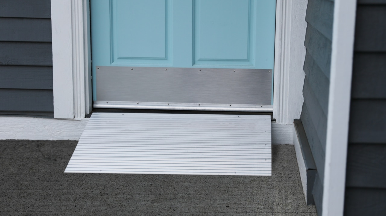 EZ-ACCESS TRANSITIONS® Modular Entry Ramps